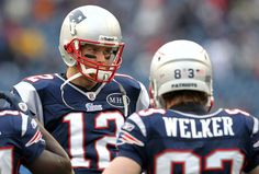 Should the #Patriots sign Wes Welker to a long-term deal? #NFL #fantasyfootball