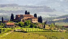 Rome Tours and day trips including Colosseum tours, Walking tours and skip the line access to the best attractions. Over 30 tours to choose from! Rio Grande Do Sul, Voyager C'est Vivre, Tuscany Vineyard, Cheap Flights To Europe, Places To Travel, Places To Visit, Comer See, Day Trips From Rome, Europe Holidays