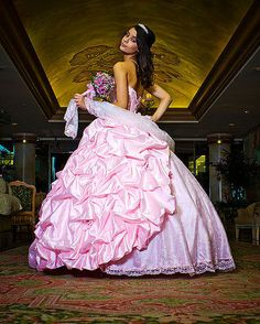 Big beautiful ball gowns for Quinceañera are always in!     Quinceañera Photography - Bing Images