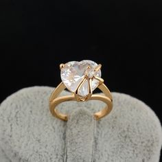 Wholesale 18K Gold Plated Fashion Copper Ring Inlay Big White Shining Heart Shape Zircon Two Sizes shopping online,buy Rings