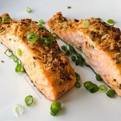 """""""It's a @sizzlefishfit Sockeye Salmon kind of night!! @confessionsofacleanfoodie generously seasoned up 2 of our perfectly portioned pieces of @sizzlefishfit Sockeye Salmon with @flavorgod lemon garlic, Dijon mustard and a crust of home onion rings. Then Charlotte baked them at 400 degrees for 20 minutes! Since there are two pieces there, does that mean we are invited over?"""