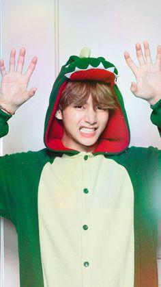 ~Little babyboy~ vkook Foto Bts, Bts Photo, V Bts Cute, Bts Love, Bts Taehyung, Suga Suga, Bts Jimin, V Bts Wallpaper, Bts Lockscreen