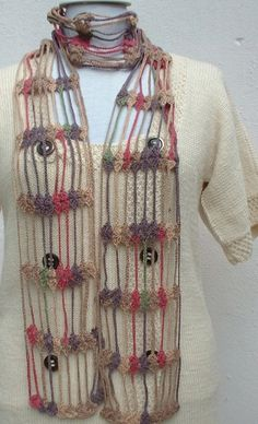 inspiration ~ #crochet, #scarf - The link is broken but the pic should be good enough to figure out something close? If the link owner sees this please let me know where to link to? Thanks!
