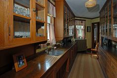 Butler's pantry – Thayercrest, 1915 Historic Home in New Hampshire