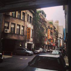 """Taipei, 大同 district, iphone 4s + pixlromatic"""
