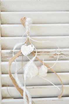 Μπομπονιέρα vintage κρεμαστή (vx104) - ByAlexia Christening, Clothes Hanger, Wedding Day, Vintage, Weddings, Google, Ideas, Crafting, Hangers