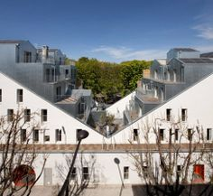 M Building, Paris, France - design by Stephane Maupin & Partners - Paris residential property: Parisian architecture, France housing design Amazing Architecture, Interior Architecture, Paris Home, Social Housing, Living Environment, Beautiful Buildings, Luxury Homes, House Styles, Facades