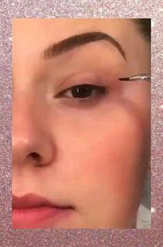 Makeup Inspo, Makeup Ideas, Makeup Tips, Gold Eye Makeup, Eyebrow Makeup, Eye Drawing Tutorials, Makeup Tutorials, Beauty Tips, Beauty Hacks