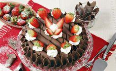 Receita de bolo de chocolate com morango - Vix