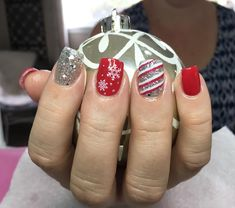 """15 mentions J'aime, 1 commentaires - Makeup Errr Day  (@kaydeesteed) sur Instagram: """"Hello Christmas #nails #acrylicnails #christmasnails"""""""