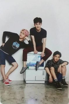 2016 EXO Season's Greetings. Baekhyun, Chen, and Chanyeol