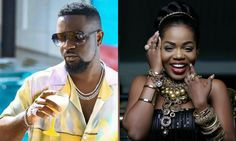 Ghanaian musician and entrepreneur, Mzbel has revealed that Sarkodie turned down a quest to feature in a song she had produced. She made the disclosure when she appeared as a guest on Neat fm's Entertainment GH show hosted by Ola Michaels stating that the rapper declined to jump on it. Music Download, Me Me Me Song, Celebrity News, Gossip, Rapper, Music Videos, Entertaining, Songs, Celebrities
