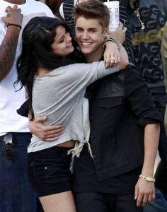Are Justin Bieber & Selena Gomez back together?