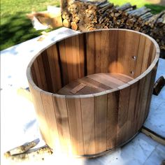 cedar hot tub. Perfect! I can use this to make the small tub for the new house! Just what I wanted! Yay!