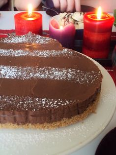 Kotoilijaleipuri: Vegan chocolate tofu cake with cherry sauce / vegaaninen tofu suklaakakku