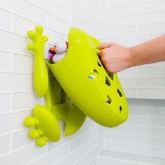 Best toy storage for the bath on the market - read our full review! #frog #pod #bath #scoop #toy #storage