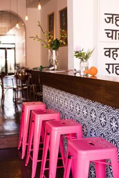 indian canteen restaurant interior with hot pink stools, bright pink, fuchsia, pantone pink yarrow Interior Desing, Interior Inspiration, Kitchen Inspiration, Interior Decorating, Pink Bar Stools, Mein Café, Chaise Bar, Pink Home Decor, Cuisines Design