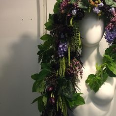 """180 mentions J'aime, 10 commentaires - Passionflower (@passionflowersue) sur Instagram: """"There's something exciting lurking in my cooler..  #flowercrown #flowersinyourhair #naturalhair"""""""