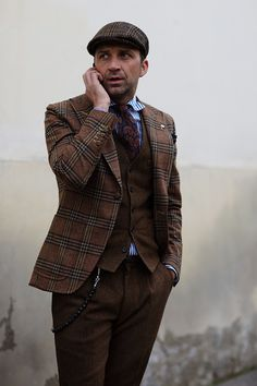 Tweed plaid suit with vest and striped shirt, vintage menswear styling @ Sartorialist, 10813StrPld6034Web