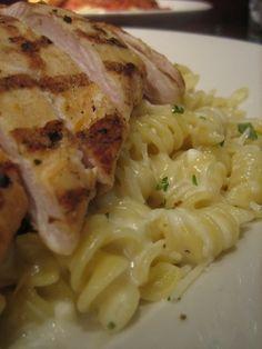 Chicken Alfredo, one of my favorite Italian dishes