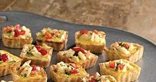 Crab and cheese quiches are baked in tiny squares, so they& perfect appetizers. Appetizers For Kids, Vegan Appetizers, Appetizer Recipes, Snack Recipes, Cooking Recipes, Catering Recipes, Crab Quiche, Mini Quiche Recipes, Fingers Food