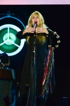 ♥ Stevie onstage performing during her '24 Karat Gold' US Tour in the Sands Bethlehem Event Centre, in Bethlehem PA , on on November 19th, 2016 ~ ☆♥❤♥☆ ~ https://www.stevienicksofficial.com/news/stevie-nicks-announces-27-city-north-american-24-karat-gold-tour-with-pretenders
