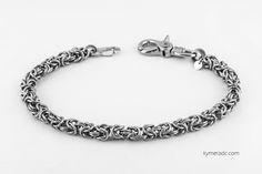 Cadena FORGE SILVER. Modelo realizado con anillas de acero inoxidable. Largo: 50 cm. Incluye 2 mosquetones. Ya disponible en www.metalyeah.com