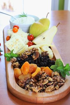 cheese/fruit tray