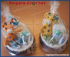 Canastillas de recién nacido. #Canastilla de recién nacido modelo Miguel. 100% personalizables. Hecho a mano. #RegalaPuntoCrochet #handmade #bebés #crochet