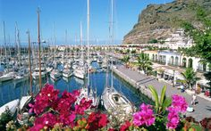 It may only be the third-biggest Canary Island, but Gran Canaria has plenty to sing about. Here's our pick of its top holiday attractions. Holiday Hotel, Vand, Canario, Travel Activities, Canary Islands, Places Ive Been, Dolores Park, Things To Do, Spain
