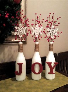 14 Christmas DIY Decorations Easy and Cheap * remajacantik bottle crafts christmas 14 Christmas DIY Decorations Easy and Cheap 12 Diy Christmas Decorations For Home, Christmas On A Budget, Christmas Centerpieces, Christmas Projects, Christmas Fun, Holiday Crafts, Handmade Christmas, Diy Christmas Decorations Easy, Outdoor Christmas