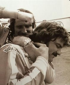 Dale Earnhardt and Terry Labonte having some fun in the garage. Men Vs Boys, Nascar Race Cars, Indy Cars, Aggressive Driving, Terry Labonte, The Intimidator, Sports Personality, Dale Earnhardt Jr, Senior Photos