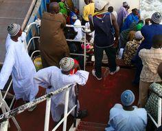 https://flic.kr/p/7dckCL | Ferry Passengers, Barra Gambia