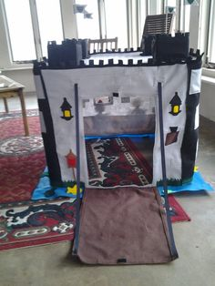 Knights castle card table Playhouse por HowIavoidhousework en Etsy