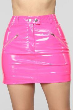 Latex Pink Skirt on Mercari Pink Skirt Outfits, Neon Outfits, Cute Outfits, Fashion Outfits, Night Outfits, Neon Skirt, Pvc Skirt, Pvc Rock, Pink Leather Skirt
