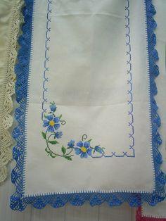 Caminho de mesa branco com azul   marinalva tolentino   Flickr