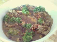 Spicy beef broccoli mushroom with bbq sauce made for my sleepy husband.. ♥♥