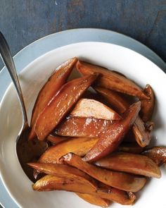 Bourbon Sweet Potatoes    Bourbon and brown sugar have a natural affinity for sweet potatoes. This simple side dish can be roasted in the oven along with the main dish such as turkey, ham, or pork loin.