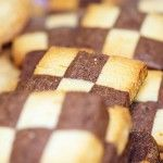 Checkerboard or Pinwheel Cookies - By adding a few things to the Basic Sugar Cookie recipe you have another interesting and enticing holiday cookie. Holiday Cookie Recipes, Holiday Cookies, Great Recipes, Favorite Recipes, Pinwheel Cookies, In Season Produce, No Cook Desserts, Sugar Cookies Recipe, Goodies