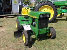John Deere 140 garden tractor w/grader blade John Deere Garden Tractors, Lawn Tractors, Garden Tractor Pulling, Garden Tractor Attachments, Landscaping Equipment, John Deere Equipment, Compact Tractors, Antique Tractors, Hobby Farms