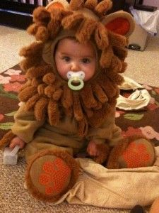 Omg so cute, I can't wait to buy a Halloween costume for Fin this year :)