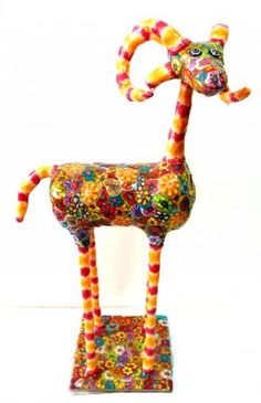 Pinki Naive Art, Pictures To Draw, Deer, Polymer Clay, Sculptures, Arts And Crafts, Symbols, Drawings, Israel