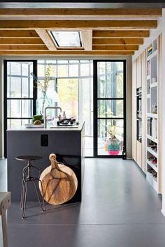 Kook je het liefst met zijn tweeën? Jouw gewenste indeling en de beschikbare ruimte zijn doorslaggevend voor de keukenopstelling.