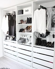 Modern Minimalist Closet