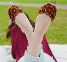 Something always held me back from proudly wearing my shalwar kameez in public - not anymore. Stylish Girls Photos, Stylish Girl Pic, Bridal Sandals, Bridal Shoes, Indian Shoes, Fashion Terms, Baby Dress Patterns, Indian Designer Outfits, Shoes Heels Wedges