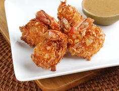 Coconut Shrimp with Spicy Sweet Pineapple Sauce Yummy Appetizers, Appetizer Recipes, Vegetables For Babies, Pineapple Sauce, Cooking For A Group, Fruit Gifts, Exotic Fruit, Coconut Shrimp, Fresh Fruit