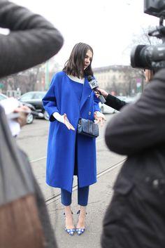 ❤ from Milan Fashion Week. [Photo by Kuba Dabrowski] Milan Fashion Week Street Style, Milan Fashion Weeks, Street Style Women, Love Fashion, Fashion News, Winter Fashion, Next Coats, Cute Coats, Weekend Wear