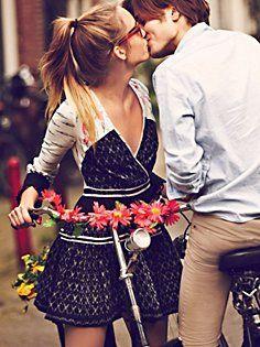 beijos, roupas novas e clima ameno