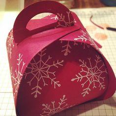 Curvy Keepsakes Box Die - SU - Winter treat box