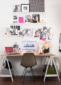 Check Out 23 Tiny Home Office Ideas To Inspire You. These clever tiny home office ideas prove you don't have to give up your workspace just because you live in a tiny space. Home Office Space, Home Office Design, Home Office Decor, Office Spaces, Desk Space, Small Office, Office Designs, Ikea Office, Office Furniture